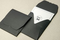 Комплект: приглашение и конверт из дизайнерской бумаги