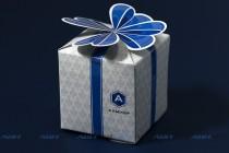 Подарочная коробка 70х70х70мм, ламинированная бумага, цифровая печать. Плоттерная резка и биговка