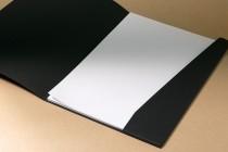 Разворот папки А4 из текстурного (дизайнерского картона), контурная резка, рисование, тиснение, биговка
