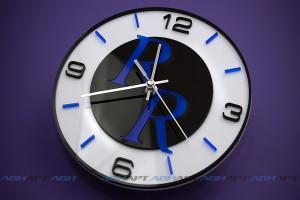 Сувенирные настенные часы с логотипом. Цветной акрил.